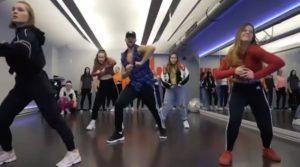 Taki Taki ft. Selena Gomez, Ozuna, Cardi B